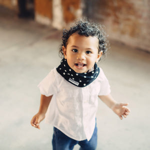 Black and white stars baby infinity scarf style drool bibs.