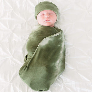 2-Pack Swaddle and Hat Set