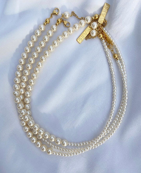 GIRLS & PEARLS Necklace