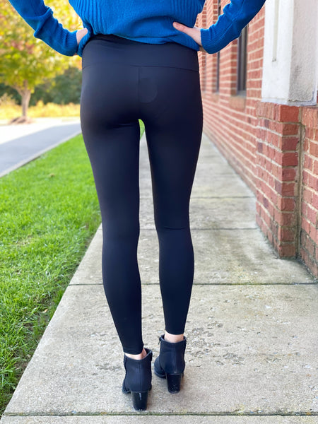 Staple Leggings in Black
