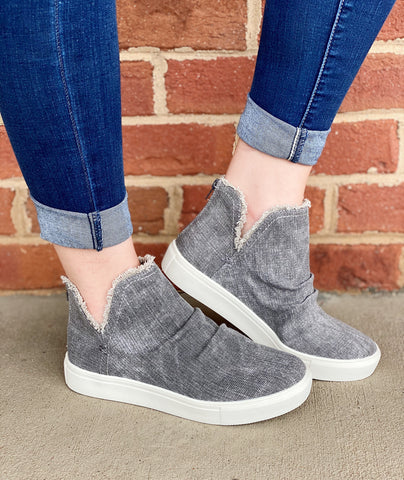 Very G Sneakers in Grey