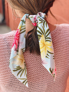 The Cadence Scrunchie Scarf in Tropical Floral