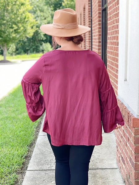 The Leah Bell Sleeve Top in Wine