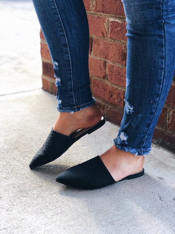 The Isabella Snakeskin Mule in Black