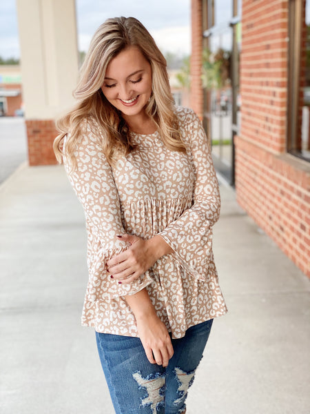 The Kaitlyn Baby Doll Top in Leopard/Taupe