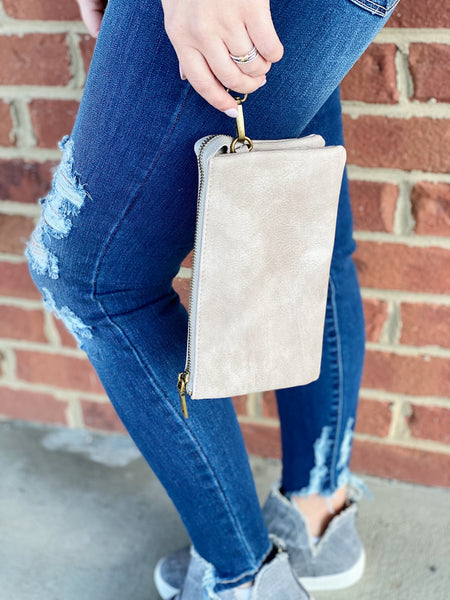 The Riley Crossbody/Wristlet in Stone