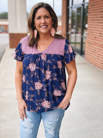 The Fallyn Floral Top in Navy