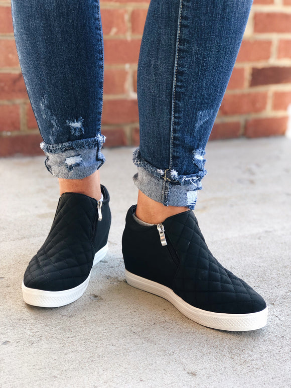 The Perfect Step Sneakers in Black
