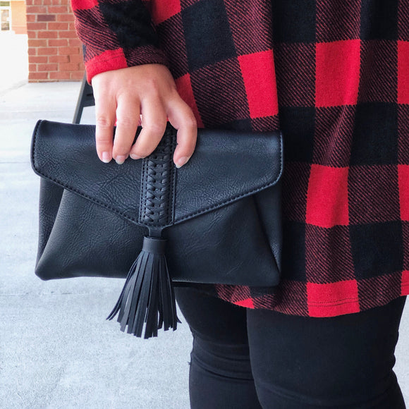 It's A Date Clutch In Black
