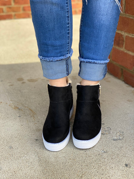 The Rise Sneakers in Black