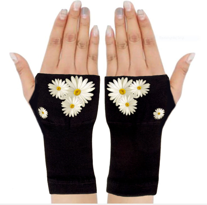 Arthritis Gloves - Carpal Tunnel Treatment - Wrist Support - Hand Brace - Pretty Daisies