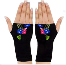 Load image into Gallery viewer, Arthritis  Gloves - Carpal Tunnel Treatment - Wrist Support - Hand Brace - Violet Vine