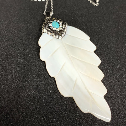 Mother of Pearl Turquoise Leaf