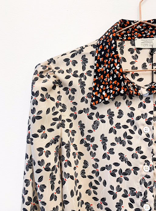 Camicia a fiori con colletto a contrasto - LA CAMERA INCANTATA