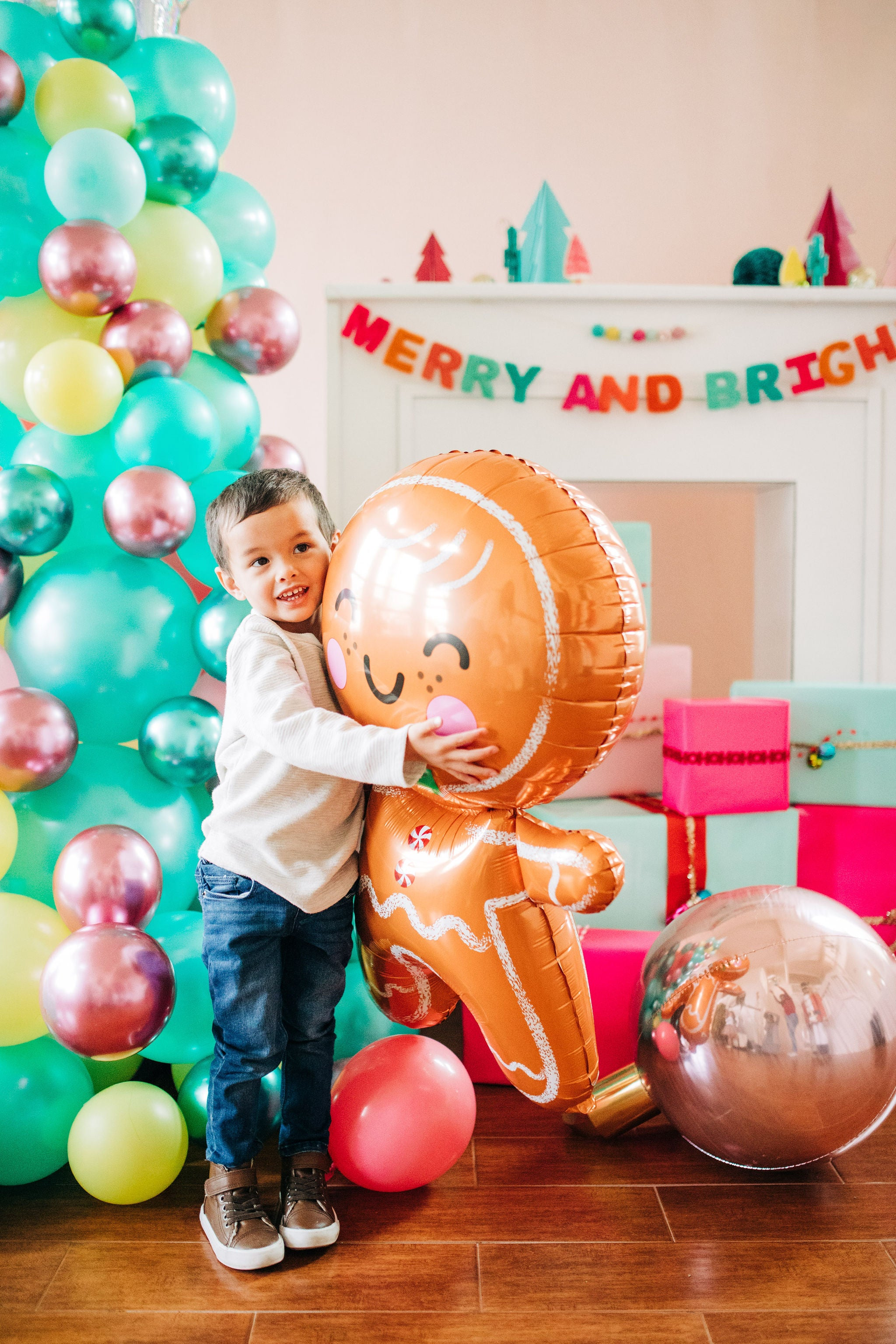 giant gingerbread man balloon