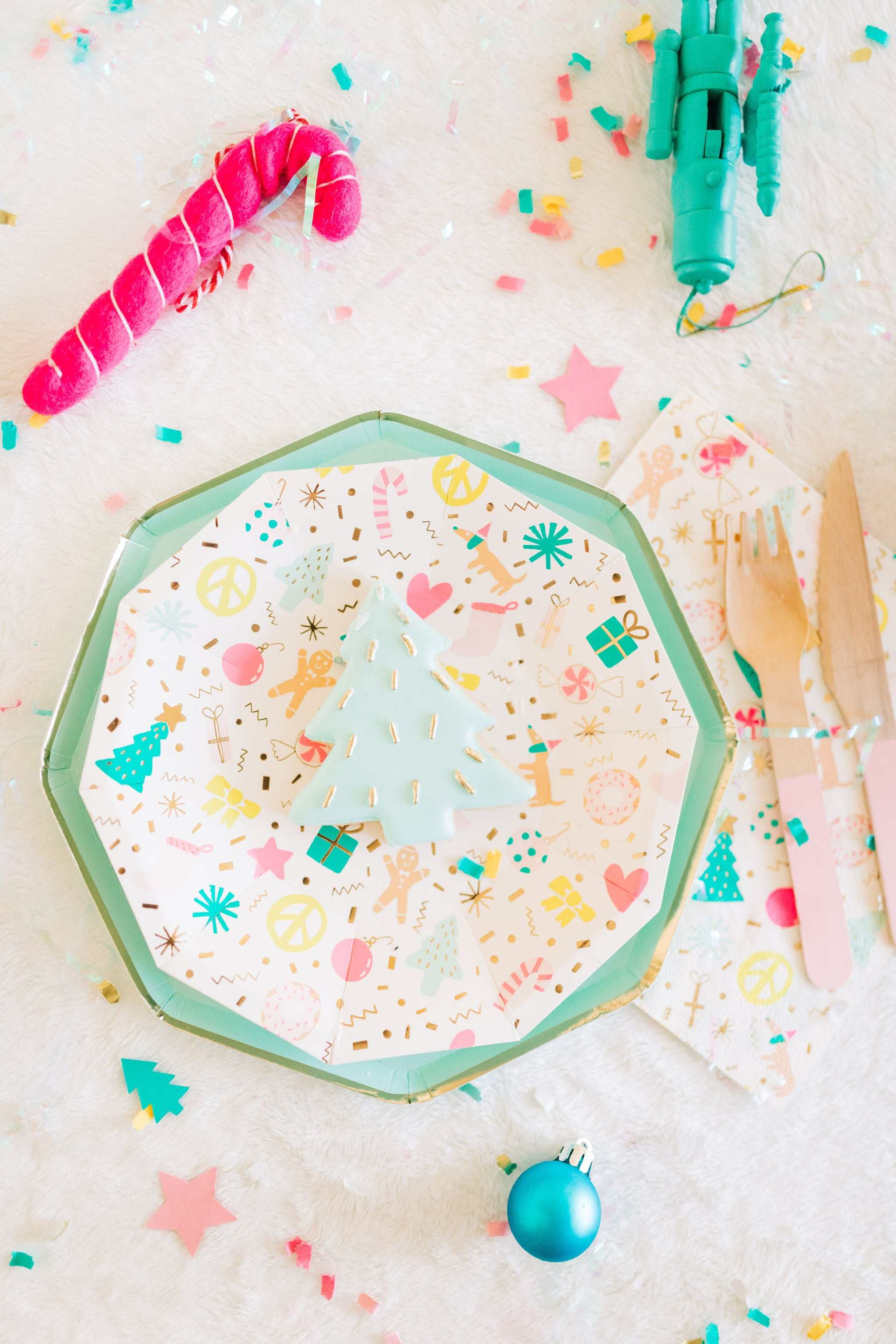 merry and bright christmas plates