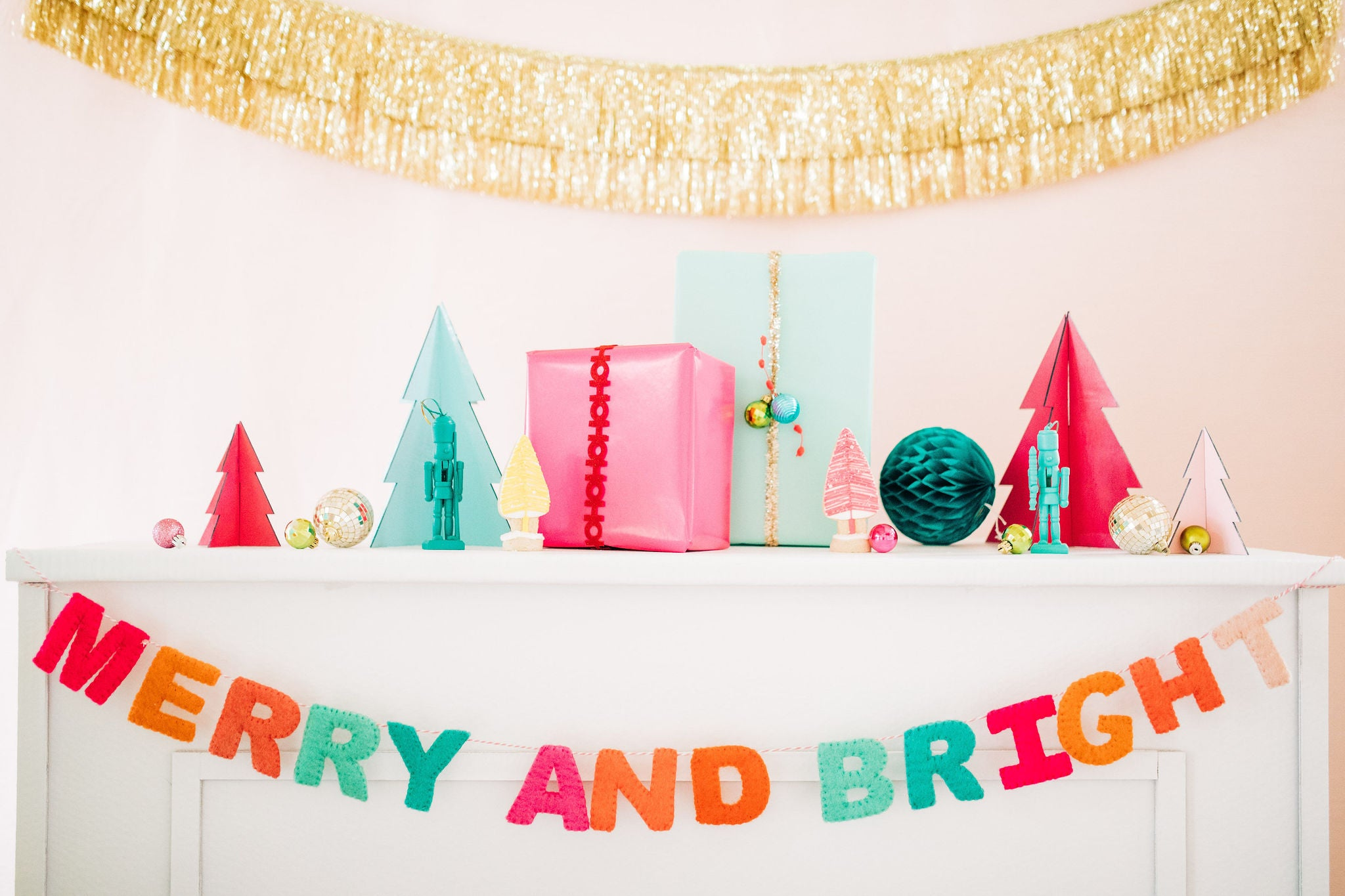 merry and bright felt garland with gold fringe galrand