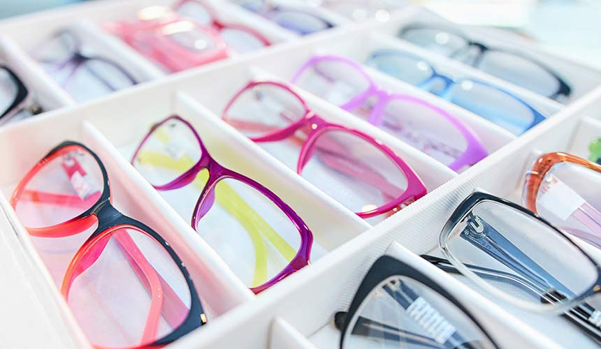 Select your preferred lead glasses style