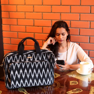 Ikat Black Wavy Laptop Bag