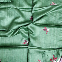 Load image into Gallery viewer, Green Pure tussar silk saree India Chanchal Designer Sari Handloom Bhagalpur Durga Puja Diwali Festival Collection