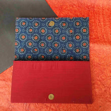 Load image into Gallery viewer, Chanchal Clutch blue