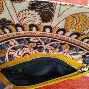 Chanchal Clutch Inside picture