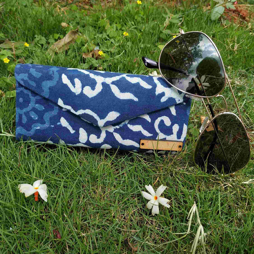Chanchal Blue and White Shade Case neela collection