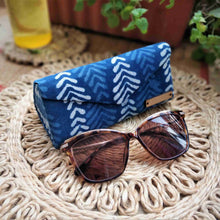 Load image into Gallery viewer, Indigo Big Leaf Shade Case neela collection chanchal
