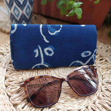 Load image into Gallery viewer, Neela ~ Indigo Shade Case