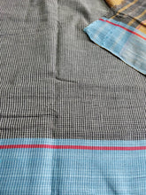 Load image into Gallery viewer, Black Red Patteda Anchu Cotton Saree handloom handwoven weaver karnataka saree sari chanchal made in India