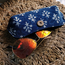 Load image into Gallery viewer, blue cases sunglass cases red cases trendy sunglass cover classy cover cruelty free pouches pouches block print cover aesthetic cover handmade cover handicraft covers handicraft pouches cotton cover chanchal student cover spectacle cover spectacle pouch vintage pouch sanganeri print