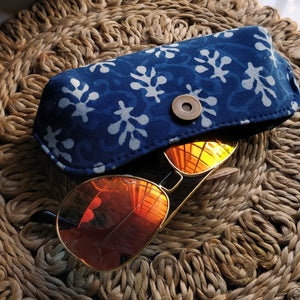 blue cases sunglass cases red cases trendy sunglass cover classy cover cruelty free pouches pouches block print cover aesthetic cover handmade cover handicraft covers handicraft pouches cotton cover chanchal student cover spectacle cover spectacle pouch vintage pouch sanganeri print