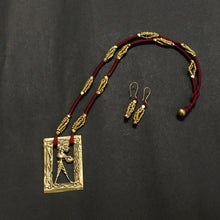 Load image into Gallery viewer, Maroon Dokra jewelry brass handcrafted Artisan Made India Chanchal Sustainable Ethical design new festival contemporary neckpiece necklace