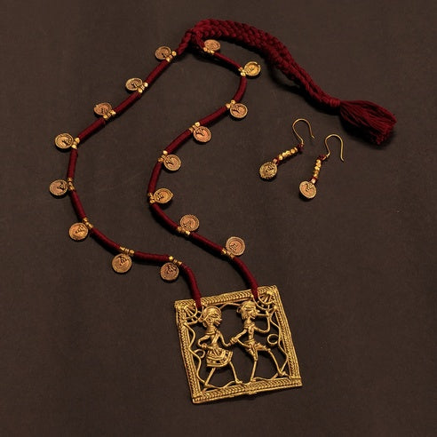 Maroon Golden Antique Dokra Neckpiece Made in India Chanchal fashion jewelry Statement necklace Party Durga Puja Pendant Diwali Gift