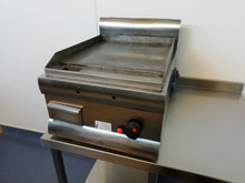 Load image into Gallery viewer, Lincat GS4/N Flat top Griddle (Reconditioned)