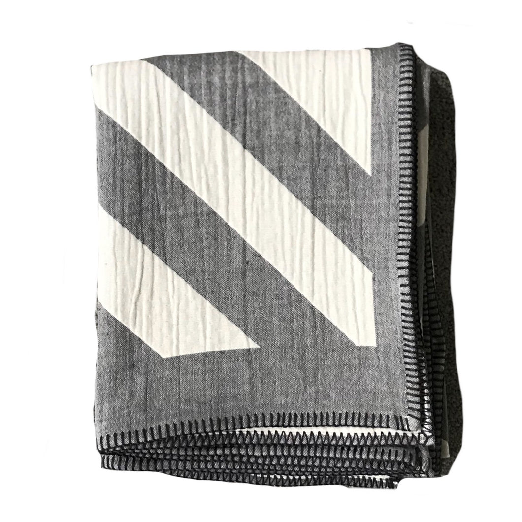 Lagoon Throw - Pewter