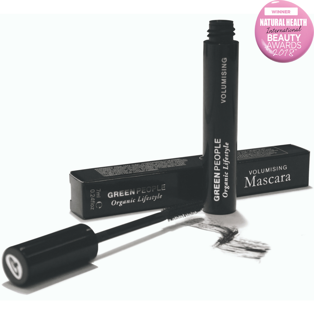 Green People Award Winning Black Volumising Mascara 7ml. Volumise, condition and lengthen lashes with organic mascara. Natural mineral pigments for intense natural black colour. Unique precision brush offers excellent lash definition. Natural cellulose micro spheres give outstanding volume. Suitable for those who may be prone to eczema and psoriasis. Organic beauty. Vegan. Vegan Beauty. Flawless Organics. Cruelty Free. Against animal cruelty. Award Winning.