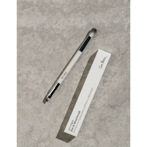 Ere Perez Eco Vegan Line & Blend Brush.  Cleverly designed 2 in 1 brush! The line to apply a classic thin line along the lash line or to fill in eyebrows. The other side features a fluffy round shade to blend with a transition shade for a sheer wash of colour in the crease, or go over the edges of your shadow so there are no harsh lines. Made with high quality biodegradable materials – vegan bristles and a corn resin handle. Organic beauty. Vegan. Vegan Beauty. Flawless Organics. Cruelty Free.