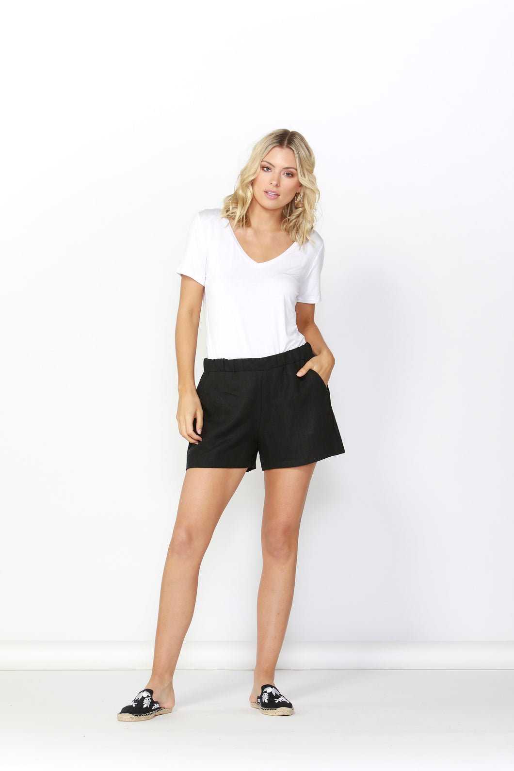 BETTY BASICS Jax Linen Short