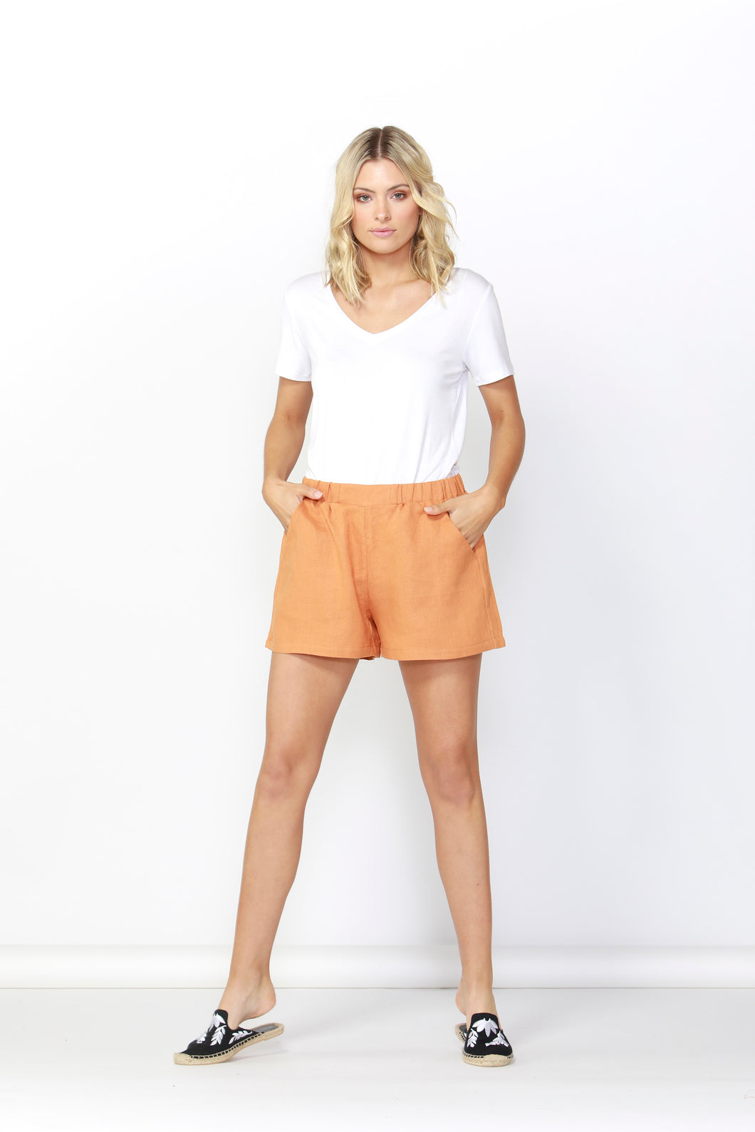 BETTY BASICS Jax Linen Short | Rust