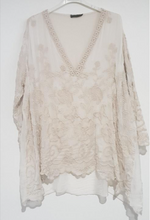 Load image into Gallery viewer, montaigne paris Italian Linen V Neck Silk Top