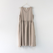 Load image into Gallery viewer, Montaigne Paris Italian Linen Pia Dress