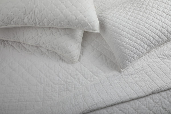 Pearl White- All Weather Organic Quilt Coverlet