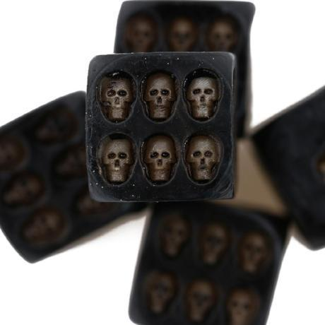 Image of Handmade Black Skull Dice 5 Pieces/Set TopViralPick