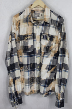Vintage Blue and Cream Flannel Size Large