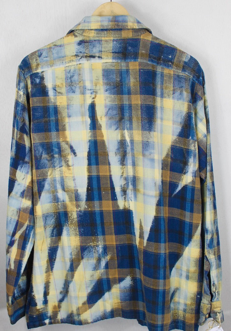 Vintage Dark Blue, Sky Blue and Cream Flannel Size Large