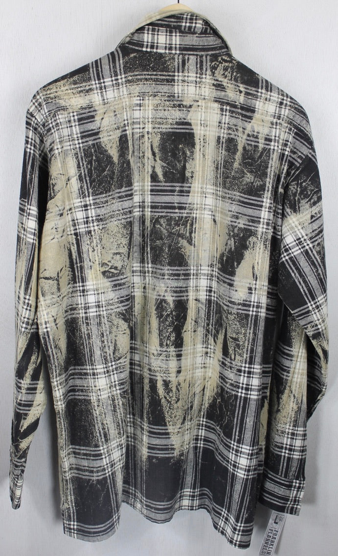 Vintage Black, White and Taupe Flannel Size Large