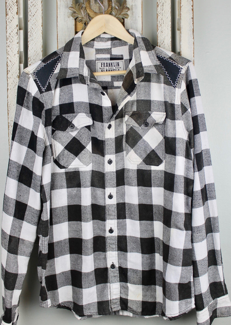 Fanciful Black and White Flannel with Dripping Chanel Size Small