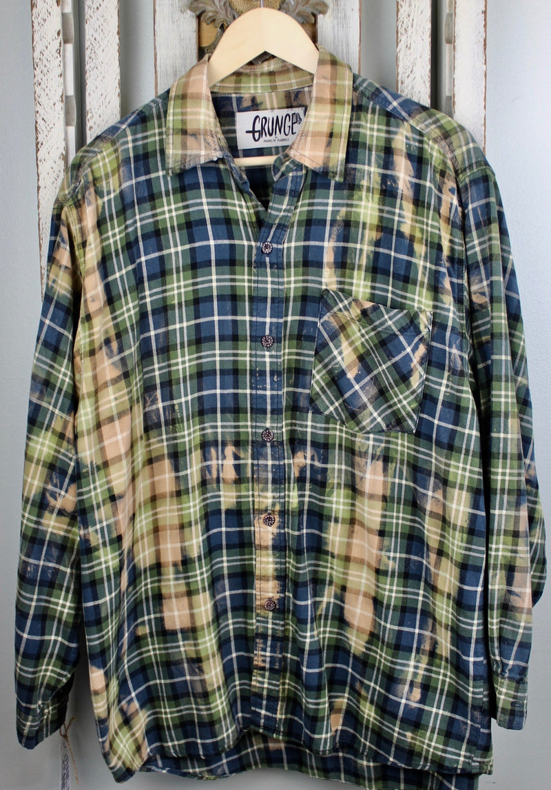 Grunge Navy Blue, Forest Green, Black and Beige Flannel Size Large