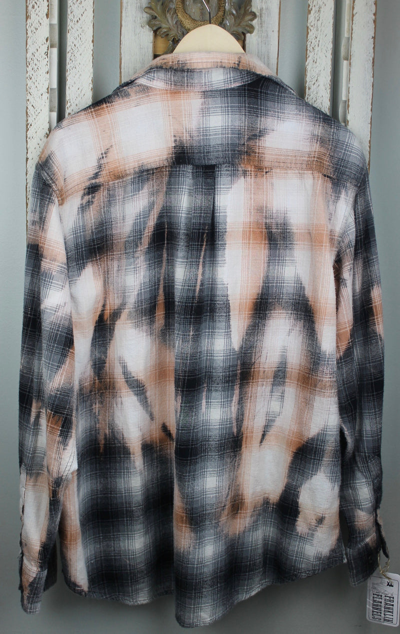 Vintage Black, Grey, Peach and White Flannel Size XL